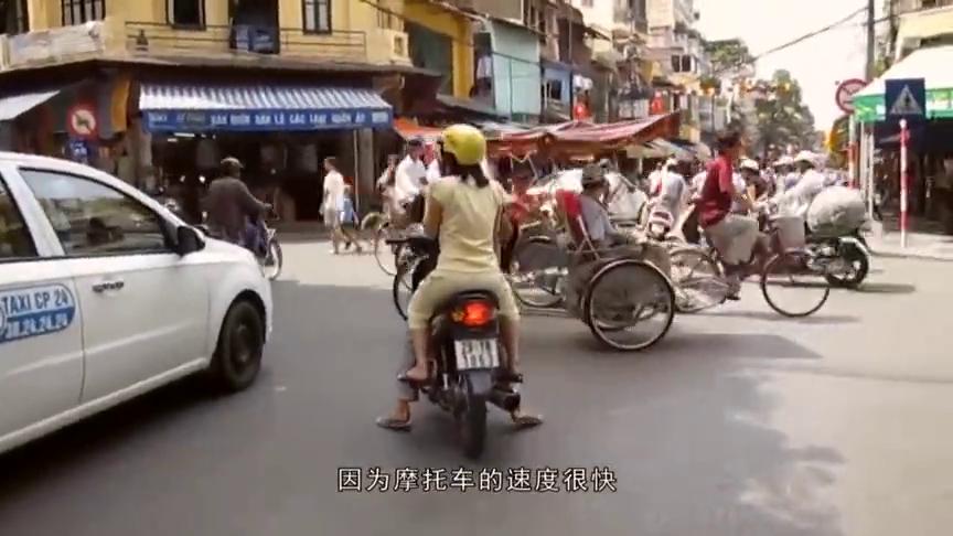 带你体验时速300公里的摩托车,千万不要眨眼,网友:这是鬼影?