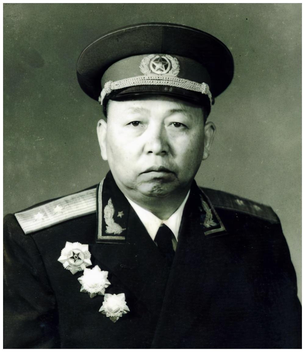 人民军队十位军政双优的将领,谁的综合能力最突出