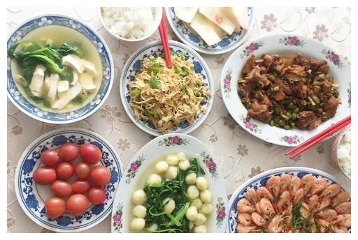 40元3人午餐能吃啥?晒一晒我家的午餐,4菜1汤2水果,健康又养生