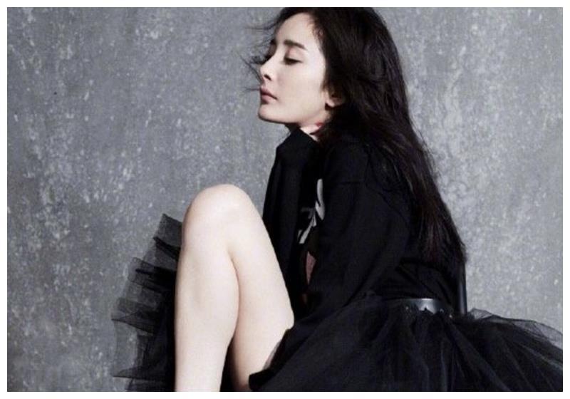 女明星芭蕾舞造型:杨幂唯美,迪丽热巴精致,却都输给了吴谨言!