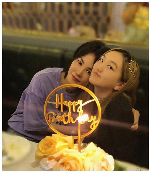 李嫣过生日,窦靖童却被骂让其退出娱乐圈,王菲能替女儿摆平吗?