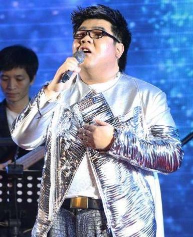 《星光大道》冠军杨光,因耍大牌被骂滚出娱乐圈,今又曝新情况