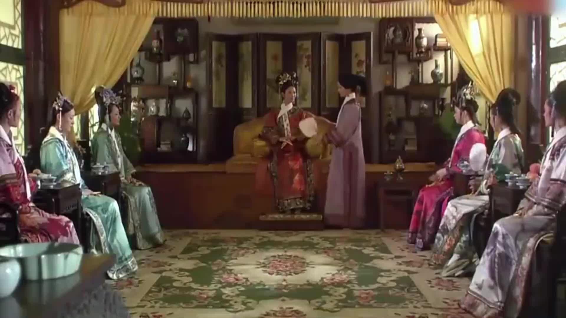 黄规全把开败的花送给甄嬛,被皇上罚去慎刑司,华妃解救失败