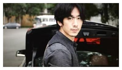 17岁开始出演电视剧的他,曾为《仙剑三》演唱插曲,今35岁成这样
