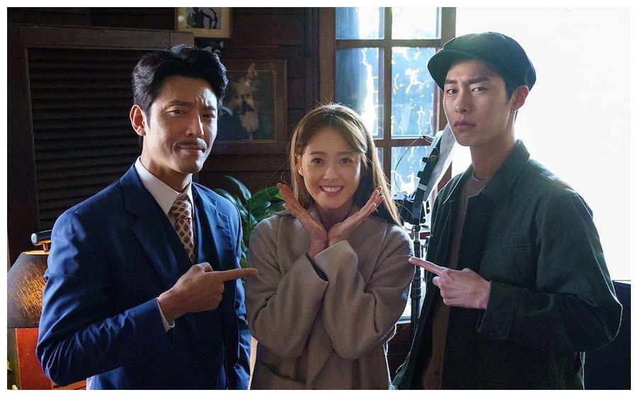 韩国KBS日前分享了《哆哆嗖嗖啦啦嗖》片场的暖心幕后照