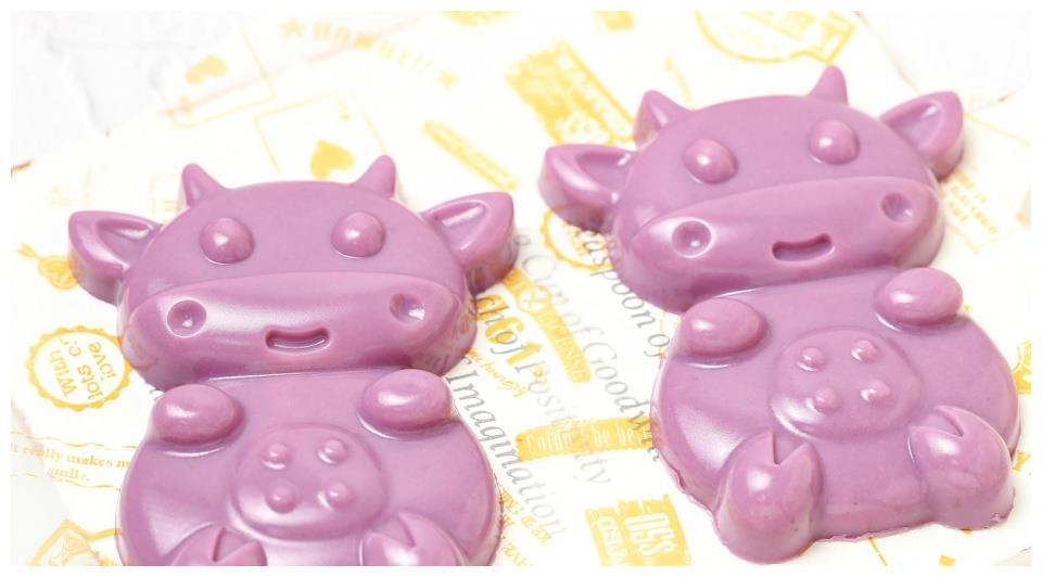 紫薯加牛奶做成高颜值小甜品,Q弹细腻免蒸烤,零基础一次就成功