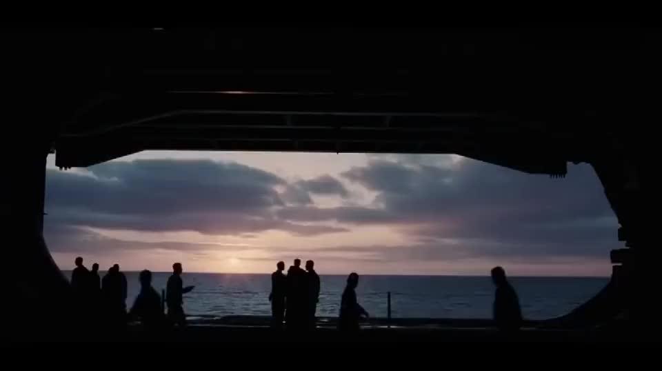 好莱坞大片,美军新型战机在航母上起飞,太霸气