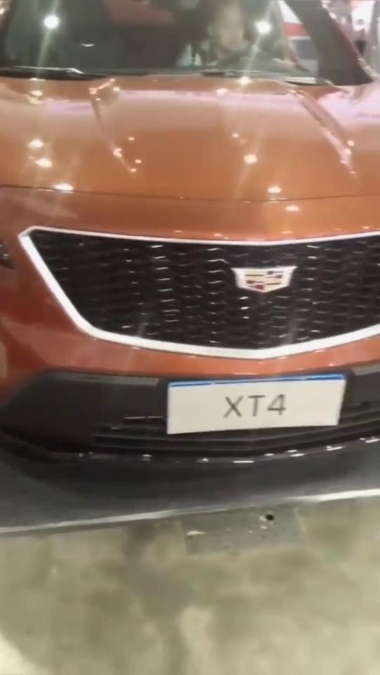 实拍凯迪拉克XT4,满满豪华运动风,广大年轻人的豪车梦!