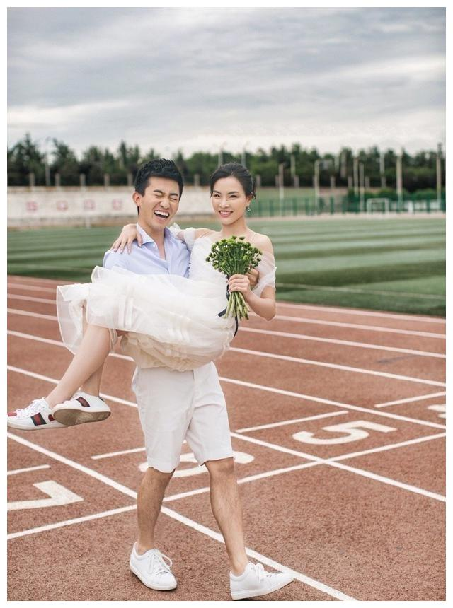 跳水奥运冠军喜迎结婚三周年,其老公发文感慨,夫妻俩幸福甜蜜