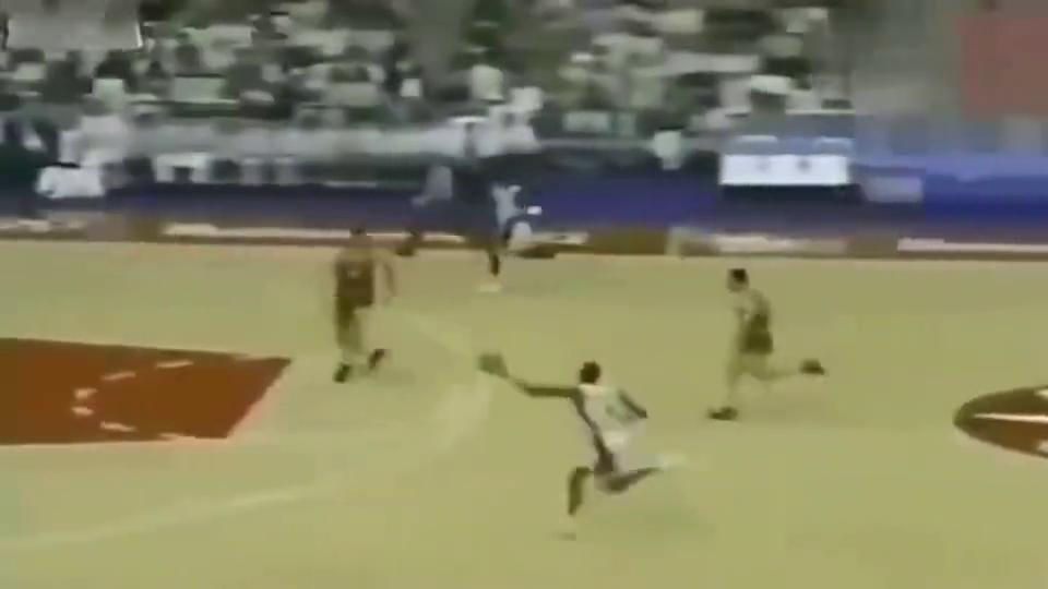 皮蓬生涯最骚的一球,这一球惊呆世界球迷,乔丹都懵了