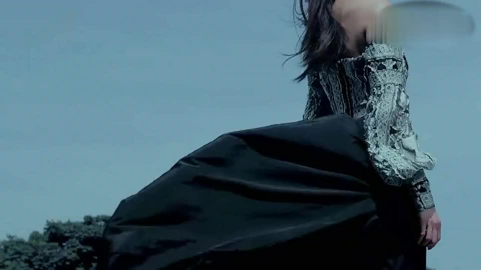张韶涵《全面沦陷》MV,当爱出现地转天旋除了你别的我都看不见