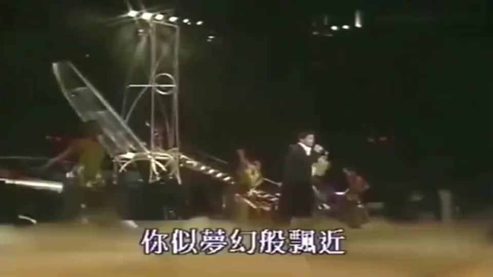 当年陈百强凭借这首歌获得金曲奖,Danny真的太帅了!