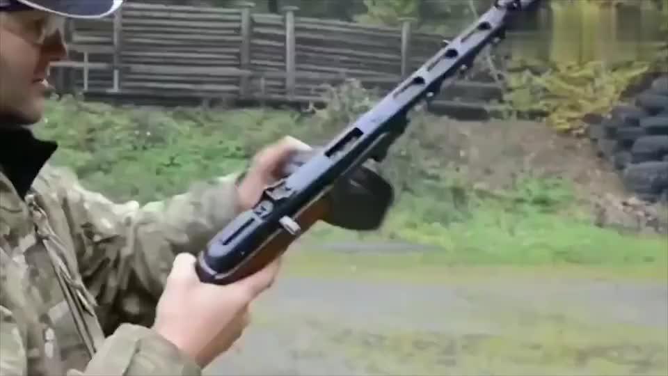 波波沙冲锋枪射击评测,也是二战名枪之一
