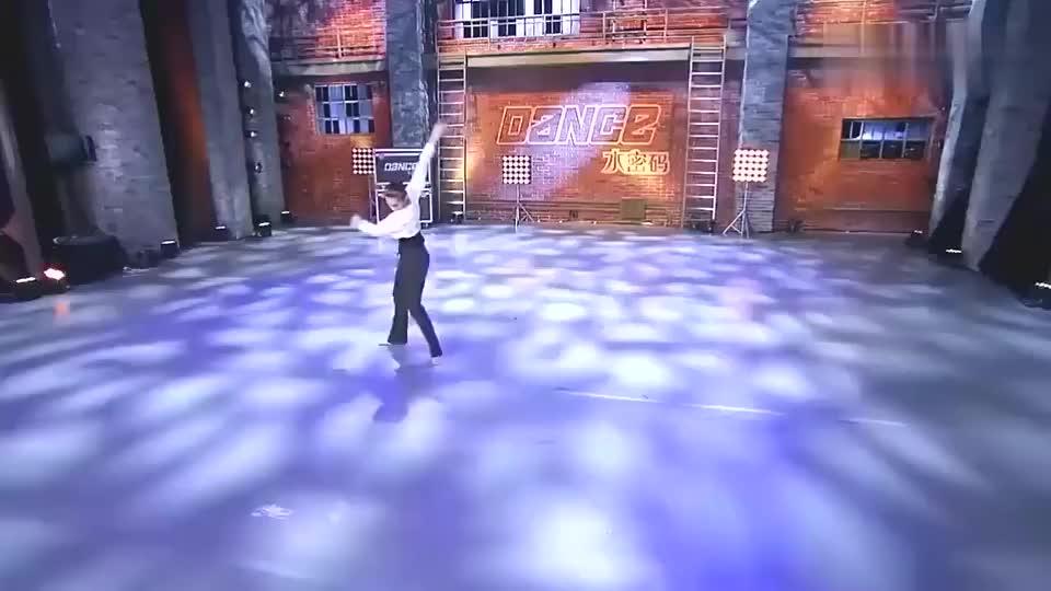 美女舞姿太美了,舞蹈结束后才发现她是聋哑人!郭富城一脸懵!