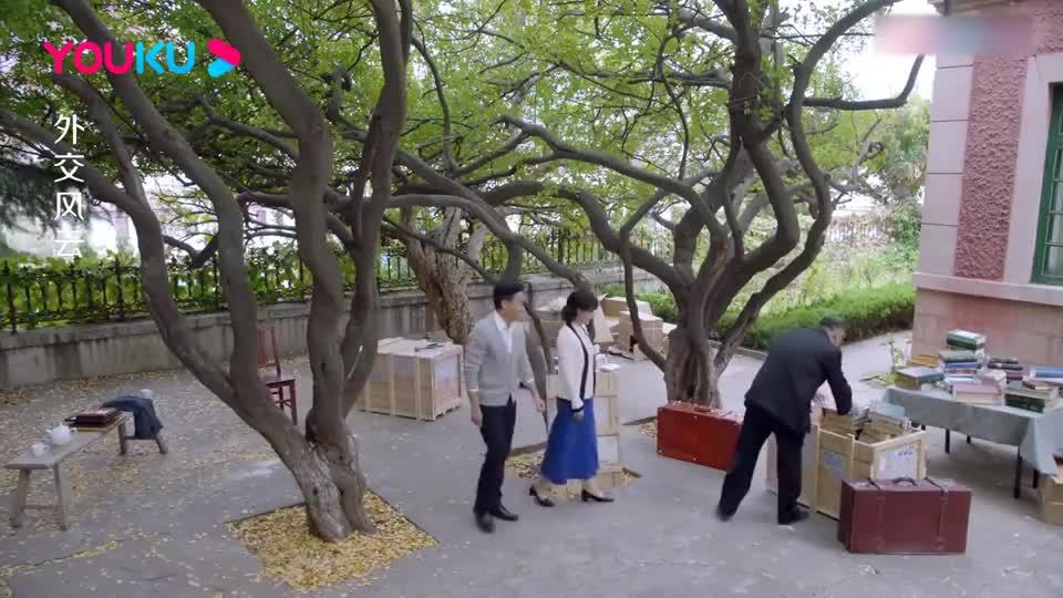 外交风云:陈毅副总理拜访钱学森,还给他打下手,钱学森激动了!
