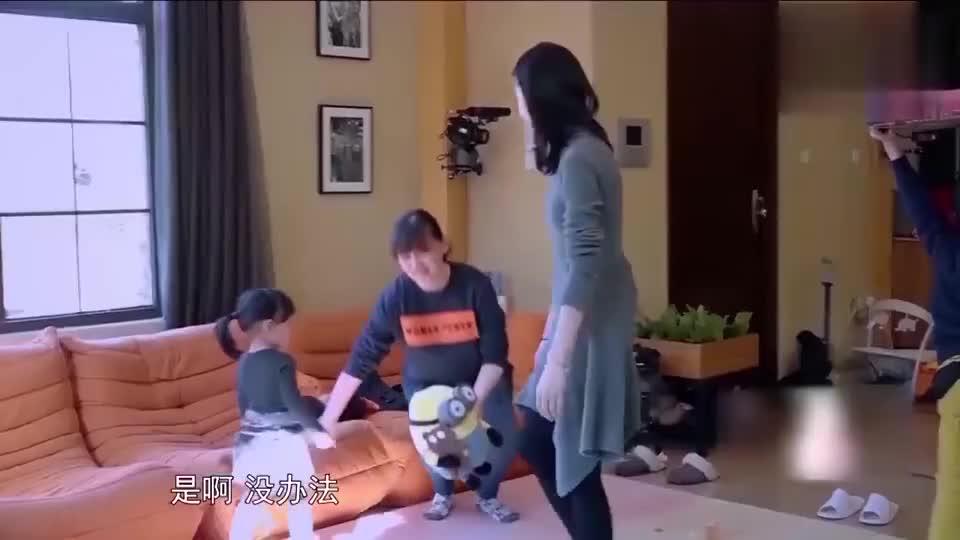 董洁带儿子来家里做客,梅婷请教拍戏如何兼顾孩子,很现实的问题