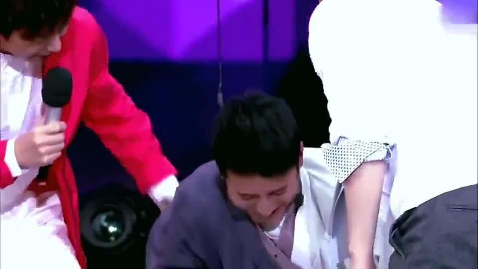 陈妍希从高处坠下,谁注意到陈晓的表情竟然是这样的!