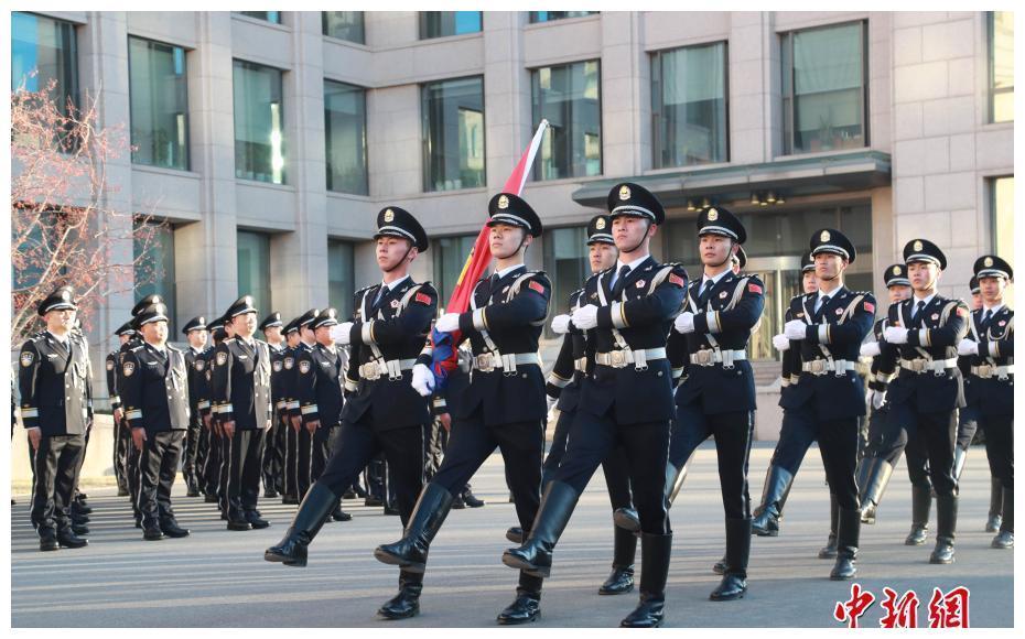 公安部机关举行警旗升旗仪式