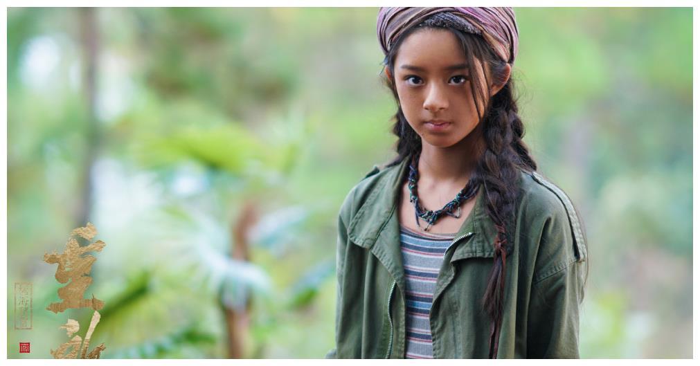 她被杨幂力捧,出演《重启》中的哑女,还曾扮演少年楚乔