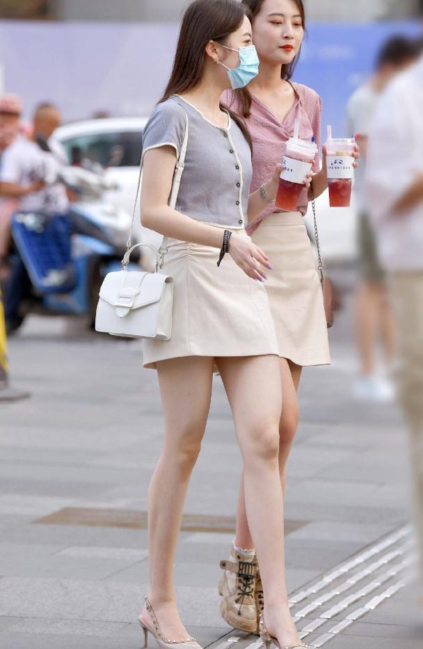 会穿才能更美,夏日选择时尚洋气的短裙穿搭,让造型轻松靓起来