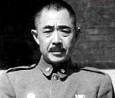 此人被老蒋称为黄埔的旗帜抗日从未打过败仗后成四野头号劲敌