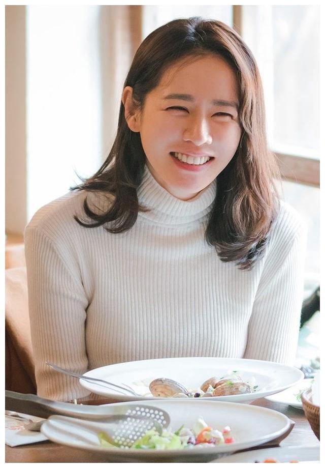 玄彬、苏志燮、丁海寅都对她心动!39岁孙艺珍从小到大美貌史