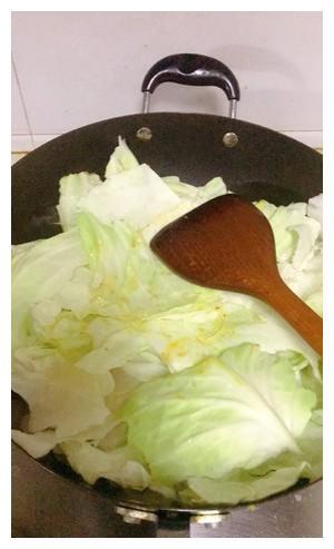 家常素菜菜谱,家庭版干锅手撕包菜,简单美味营养,比肉下饭