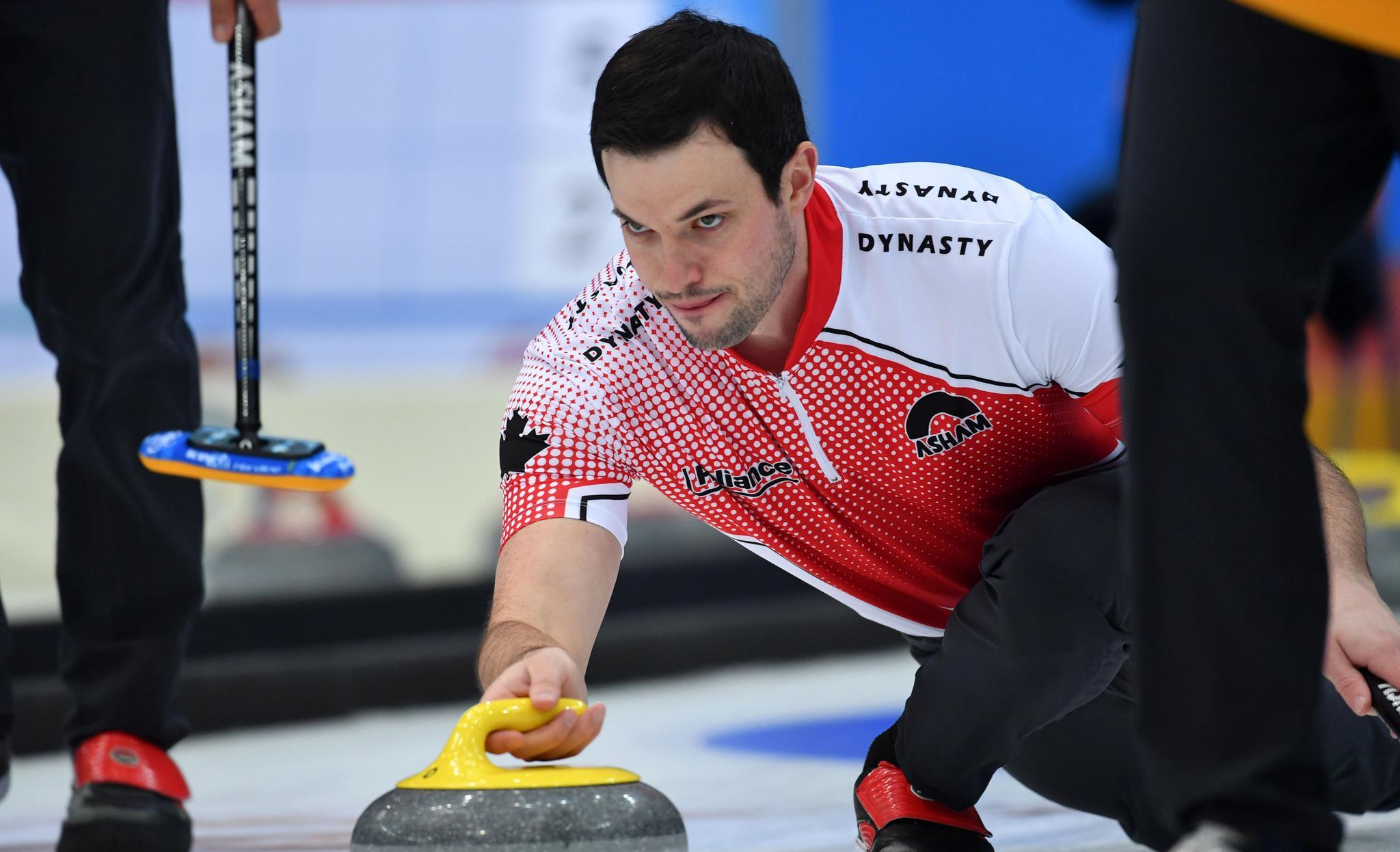 冰壶——天津国际公开赛:中国男队胜加拿大男队