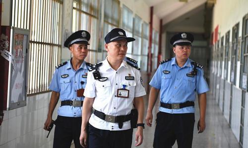 罪犯单独上厕所被处罚,涉事干警作检查,监狱监管安全无小事