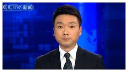 央视主播康辉结婚20年,老婆还是同事,结婚多年无儿无女很幸福