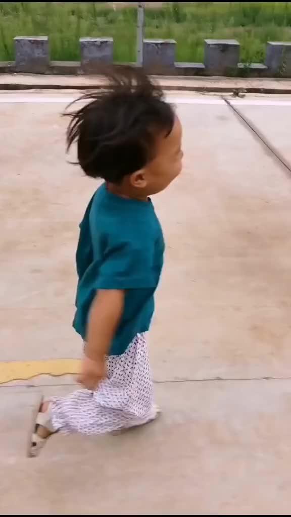 让女汉子温情,只能靠背景音乐了萌娃萌娃日常育儿宝宝亲子