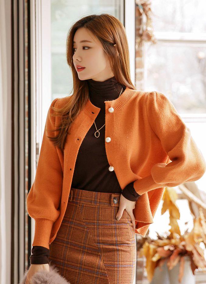 橘色珍珠纽扣泡泡袖针织开衫
