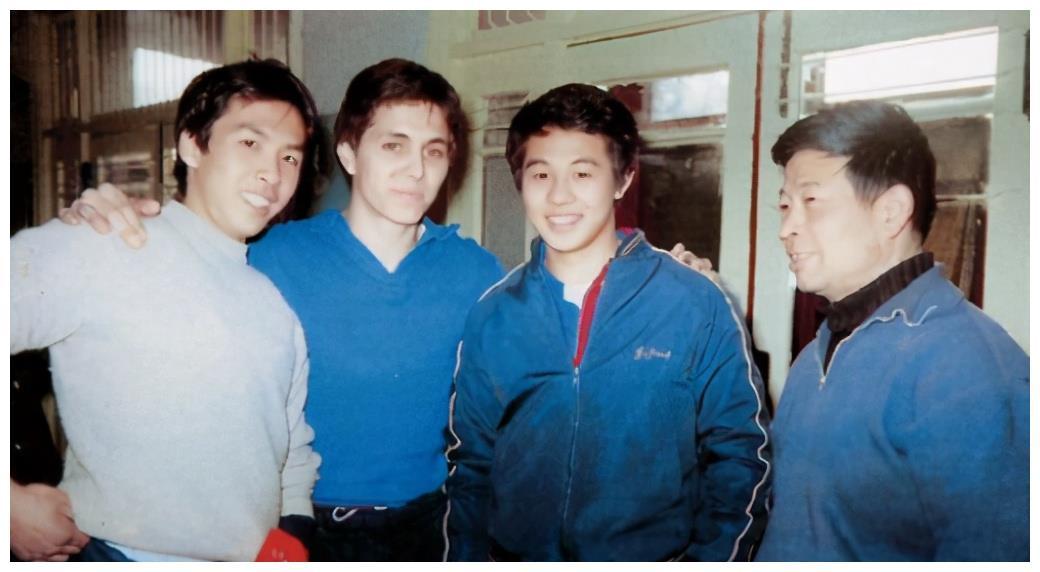 出生在广东省广州市的功夫巨星甄子丹的爱国情怀和低调慈善人生
