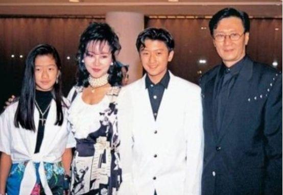 绝世美人甄珍太遗憾,称谢贤是最爱的初恋,却因误会结束2年婚姻