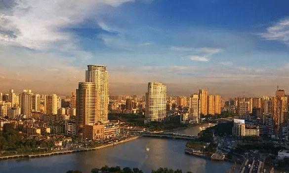 浙江有一座城市:GDP成功进入万亿俱乐部,无奈却降为二线城市