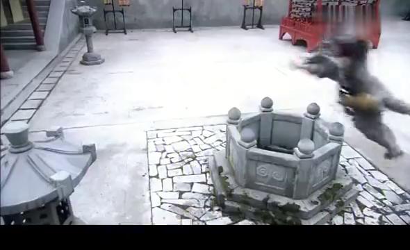 正当广亮要赶走济公之时,杭州城内三个员外来到灵隐寺,要见济公