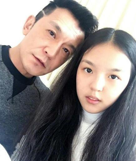 主持人李咏的女儿法图麦,美艳动人气质满满,女神范十足!