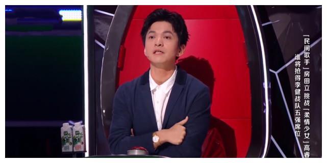 好声音导师对学员态度不同,李健获观众喜爱,李荣浩不转身惹争议