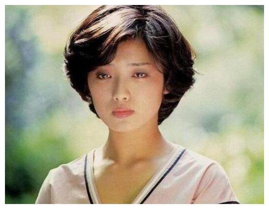 59岁日本女星山口百惠近照曝光,美丽容颜依旧