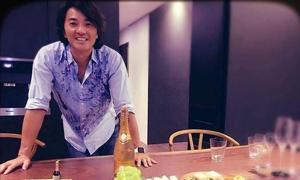 晒晒郑伊健在香港的家,结婚多年依然丁克,和老婆专心过二人世界