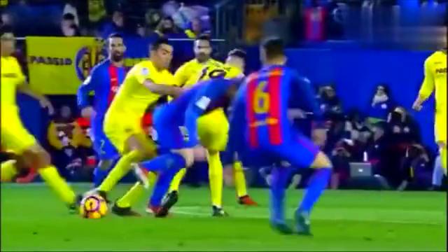 同样的任意球点,梅西和C罗的进球方式却大不同!