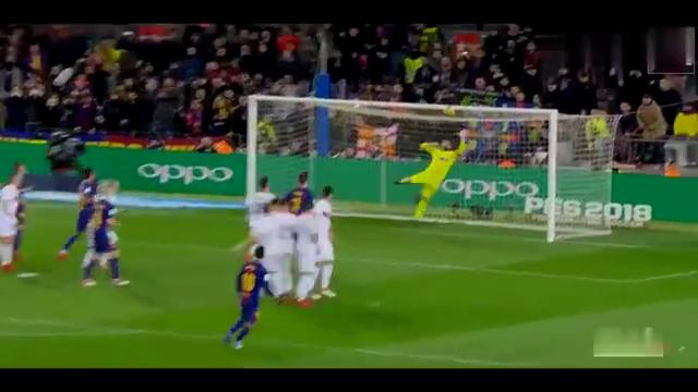 同一位置任意球对比梅西和内马尔是怎么做的