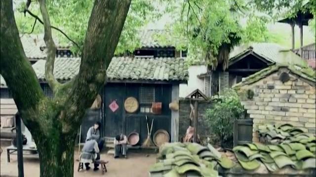 在黑娃等人的注视下,老乌猜测刘庆福仅是将何敬敏当成替死鬼