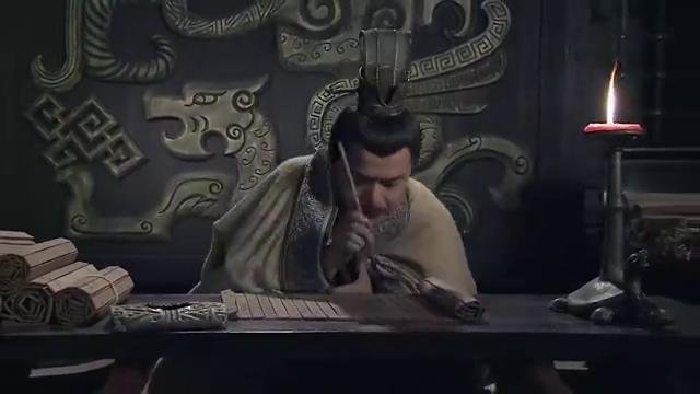 湘女为贾谊烘被子,却不慎把整个藏书阁都烧毁,太可惜了