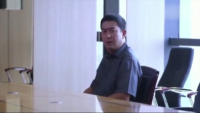 杨树给单身女老板开车,开成总裁助理惹得同事眼红!