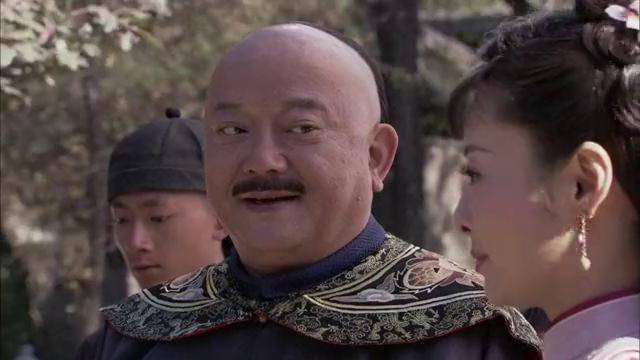 纪晓岚:跟和珅没得比,纪晓岚被婢女扎心硬邦邦木头一根