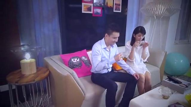 梁馨和总裁看自己节目,怎料一说到坦诚,总裁表情亮了!
