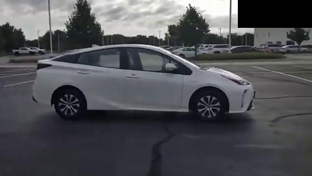 视频:全新丰田普锐斯实拍展示,全面了解后,买不买给个参考!