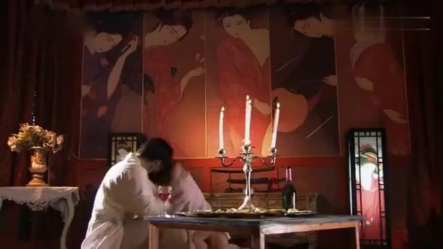 日本美女特务完成任务后回家,竟看到未婚夫所作所为,她后悔不已