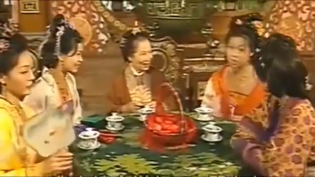 锦绣良缘:顿珠用狼爪骨当贺礼送给三嫂娘家孩子,很意外的想法
